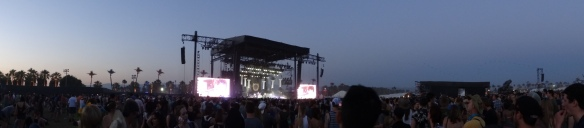 Vampire Weekend draws a good crowd!