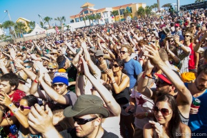 Surf, sand and sounds at the Hangout Music Festival. (Source: barryfest.com)