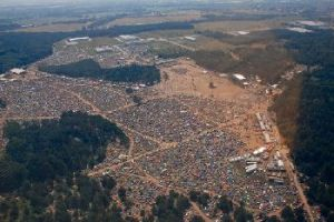The sprawling Woodstock festival. (Source: http://woodstockfestival.pl)